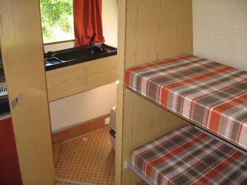 Etagenbett Wohnwagen Einbauen : Wohnwagen stockbetten einbauen: betten im wohnwagen. adria